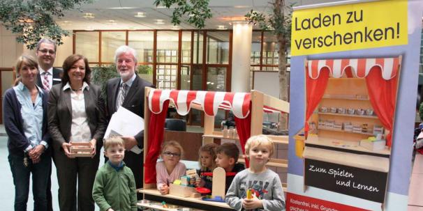 Kaufladen zu verschenken an KITAs in Aschaffenburg durch Jugend mit Zukunft